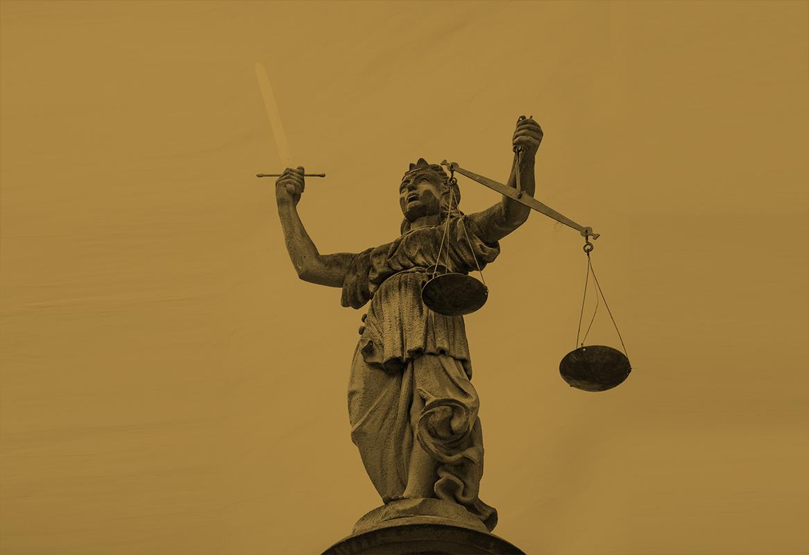 Kancelaria adwokacka Marcin Okruciński - Tło